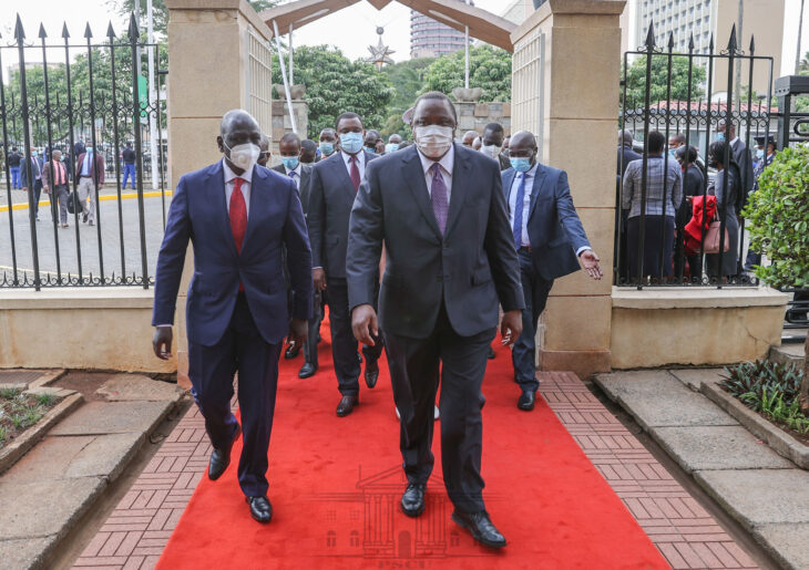 Raila Odinga's opposition party now wants President Uhuru to kick out William Ruto from the Jubilee party for insubordination. Photo: State House/Twitter.