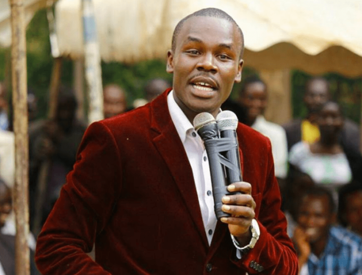 South Mugirango MP Sylvanus Osoro has called on his constituents to register as voters or miss a chance to get bursaries.